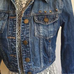 Cropped distressed denim jacket 3/4 sleeve